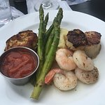 broiled seafood combination: crab cake, shrimp & scallops