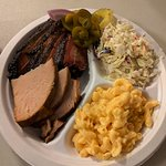 Smoked turkey & brisket with mac&cheese and slaw