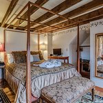 The Elizabeth room has a queen size 4 poster bed, full bath, fireplace and carafe of sherry.
