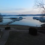 Foto de Fourwinds Lakeside Inn & Marina