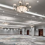 Sheraton Toronto Airport Hotel & Conference Centre Photo