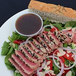 Ahi Spinach Salad with Fat Free Toasted Sesame Dressing