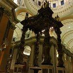 Foto di Cathedral of Marie-Reine-du-Monde