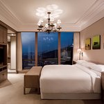 Executive Suite_Bedroom