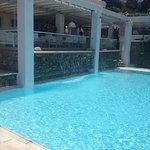 Breakfast/bar area above pool