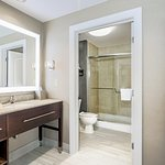 Photo de Homewood Suites Long Island - Melville