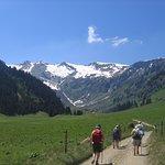 Nombreuses randonnées au départ du Salvagny