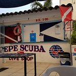 Pepe Scuba is located adjacent to the Coral Princess Hotel. Only minutes from the ferry