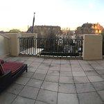 """Chambre deluxe terrasse """"vu coté ville"""""""