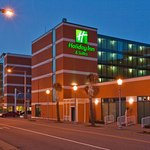 Photo de Holiday Inn & Suites North Beach