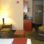 Photo of Holiday Inn Express Kent State University