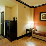 Photo de Holiday Inn Express Hotel & Suites Columbia-Fort Jackson