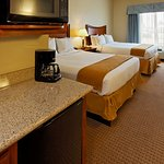 Photo de Holiday Inn Express Hotel & Suites Mansfield