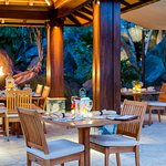 Fine dining and beautiful ambiance at The Courtyard at Surfsong BVI