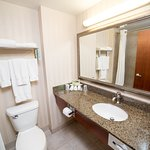 Foto di Holiday Inn Express Hotel & Suites Drayton Valley
