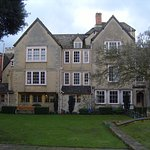 Queen's College Oxford is one of thevery few which provides accommodation for all of its Undergr