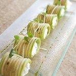 Zucchini-Cream cheese rolls
