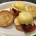 Phenomenal Blackstone Eggs Benedict (English muffin, sliced tomato, bacon, poached egg, hollanda