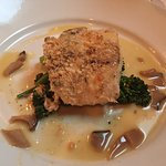 Beautifully prepared dinner special at the Manta Restaurant (macadamia nut crusted salmon).