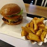 Fletcher's Better Burger Foto