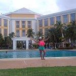 piscina excelente.. un ambiente muy fresco.. y hermoso yo me lo disfrute