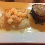 Excelentes platos congrio magnolia risotto y caldillo para el ceviche solo nos falto mas Marisco