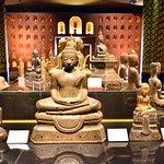 1,000 Buddha Gallery