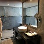 Platinum Suite walk-in bathroom - great space!