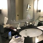 4-star hotel setup in bathroom