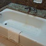 Photo de Pacific Regency Hotel Suites