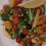 Duo de truite et saumon fumé et salade d'agrumes