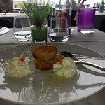 La salle à manger de l'hotel, Restaurant Le Poisson d'Argent, dessert