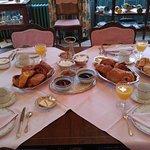 Vue sur la table du petit déjeuner
