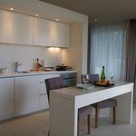 Suite with Bay View | Kitchenette