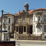Ayuntamiento de Vila Nova de Gaia visto desde el bus.