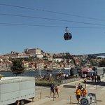 El muelle de Vila Nova de Gaia y enfrente la Ribeira de Oporto.