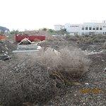 Building rubbish next to Los Claveles