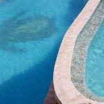 grootste zwembad van Bonaire, inclusief waterval