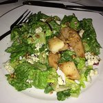 delish salad with pears and blue cheese