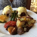 Breakfast - Crab Benedict