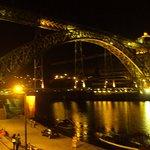 El puente de Don Luis I visto desde la terraza del restaurante.