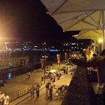 Vista desde la terraza del Cais da Ribeira y del Duero.