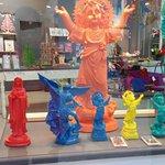 Una tienda que me parecio muy bonita, de imagenes religiosas