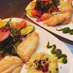 Fisch Duett mit Selleriecreme und Salat