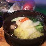 椎茸に飾り包丁が入った湯豆腐
