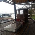 Depuis l'ancien bateau, vue originale sur la Seine et ses nouveaux quais dédiés aux croisères