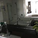 Das Badezimmer ist wird allen Ansprüchen gerecht. Rainshowerdusche und Fußbodenheizung