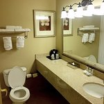 Photo de Country Inn & Suites By Carlson, Covington, LA