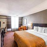Guestroom - King Bed