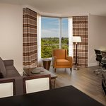 Hilton Toronto / Markham Suites Conference Centre & Spa